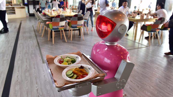 Японские разработчики представили роботов для Олимпиады-2020