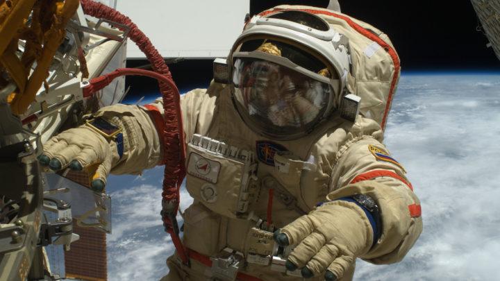 Российские космонавты рассказали о преимуществах скафандра «Орлан-МКС»
