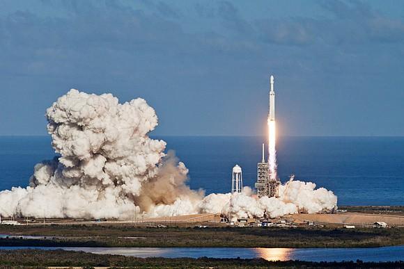 SpaceX запустила первые спутники системы глобального интернета Starlink