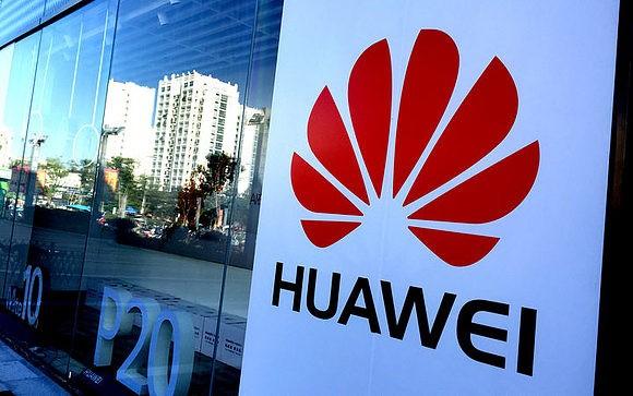 Смартфоны Huawei в России потеряли 50% продаж за неделю