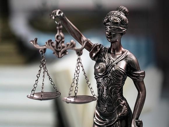 На основании судебных решений ограничен доступ к информации о продаже поддельных документов