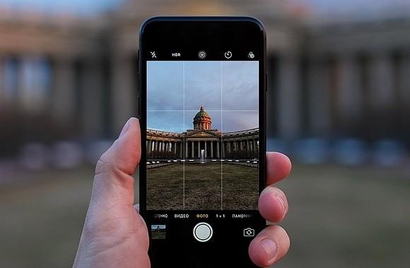 СПб: продажи смартфонов с марта по май: +2% в штуках и +11% в деньгах